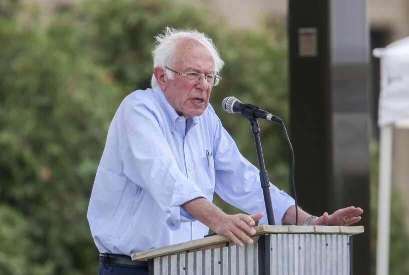 In Cedar Rapids, Bernie Sanders calls $3.5 trillion budget an investment in restoring faith in democracy