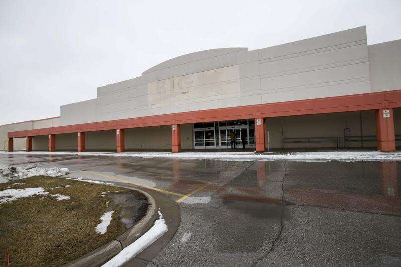As retailers close stores and go bankrupt, Cedar Rapids and Iowa City have not been immune