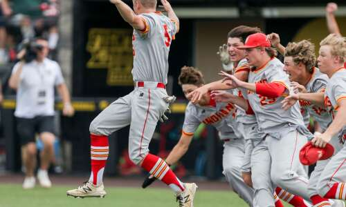 Marion beats Dubuque Wahlert for first state baseball title