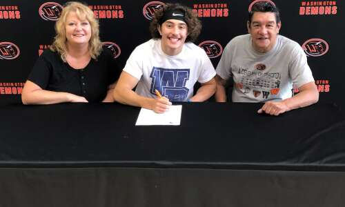 Spencer Sotelo to play 2 sports in college