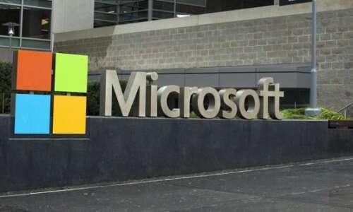 Iowa picks Microsoft to create coronavirus vaccine appointment system