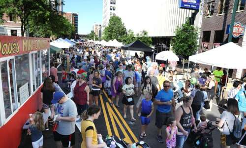 Everything you need to know about Cedar Rapids Downtown Farmers'…