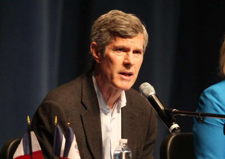 Poll shows Hubbell building wide lead in Iowa Democratic race
