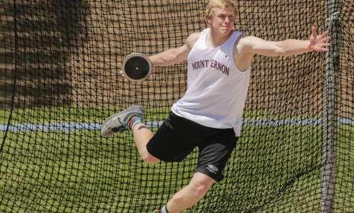Iowa 3A boys' state track and field: Mount Vernon's Matt…