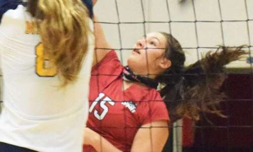 Winfield-Mount Union volleyball ties for third at West Branch tournament