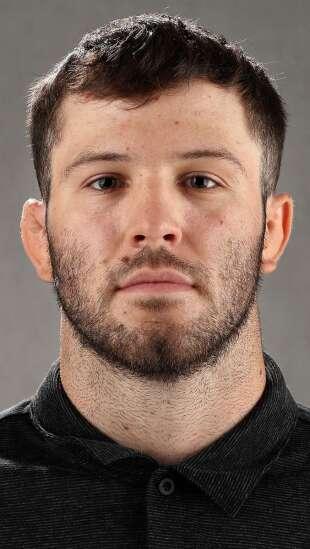 Jaydin Eierman attracted to Iowa wrestling's family atmosphere