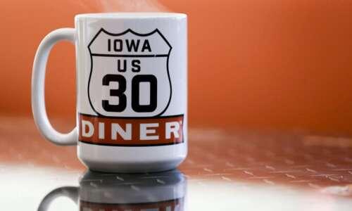 Highway 30 Diner opens in SW Cedar Rapids