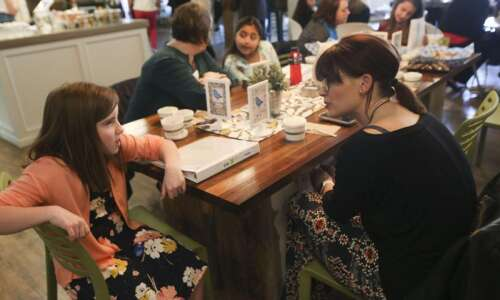 Leaders Who Lunch pairs third graders with business professionals