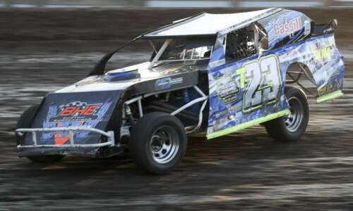 Photos: Drivers compete at the Bullring in Vinton