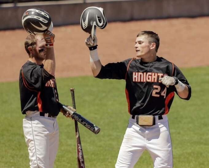 Wartburg's Eric Willis returns home to help Knights to Iowa Conference title game