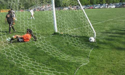 Hlas: An overmatched girls' soccer team from Waterloo plays on