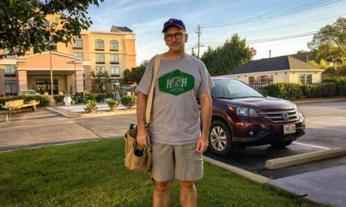 Iowa City photographer Barry Phipps turns road trip to deliver…