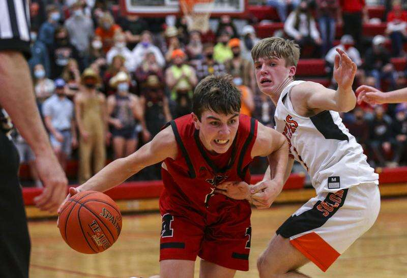 Iowa boys' state basketball 2021: A closer look at Tuesday's games