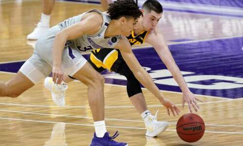 Defense leading offensive-minded Iowa men's basketball team to 5-game win…