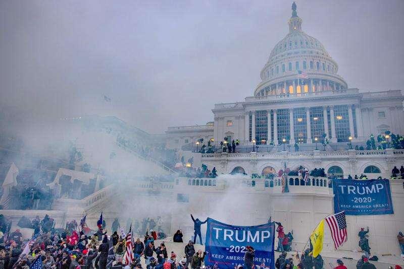 Reynolds, legislative leaders denounce Capitol violence