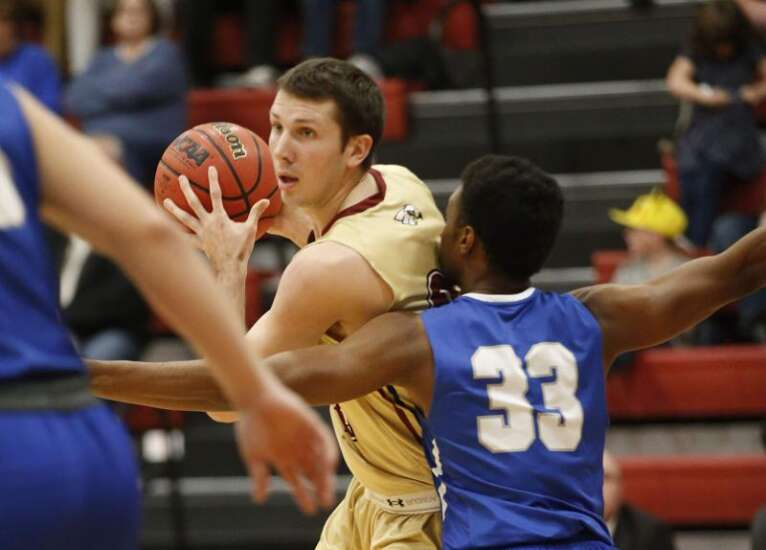 Coe men's basketball defeats Loras, now alone in third place in ARC
