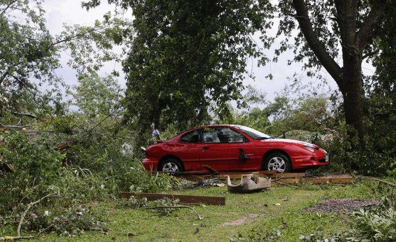 Tornado tears through northern Linn County, hitting Prairieburg