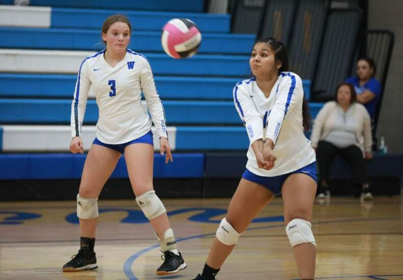 Winfield-Mount Union sinks Columbus volleyball