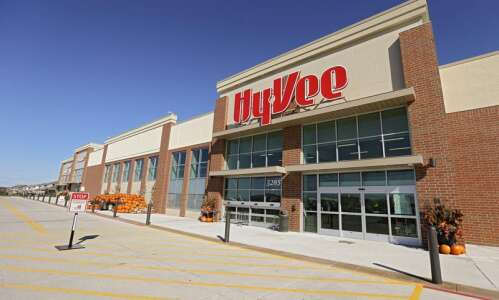 Hy-Vee laying off around 300 workers in closing four centers