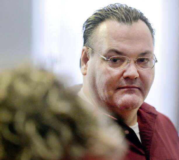 Judge overturns murder conviction of Tama County man in fiancee's death
