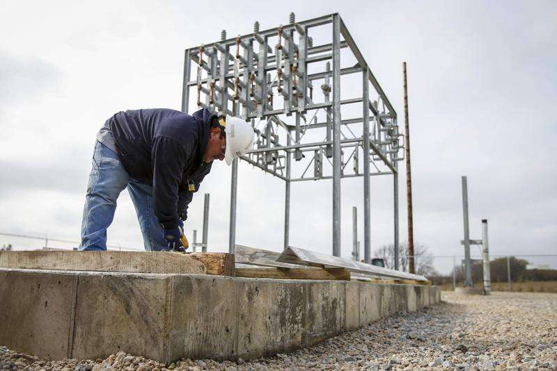 Alliant Energy invests in infrastructure