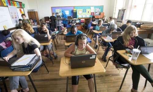 Cedar Rapids Schools to open fully accredited online school as…