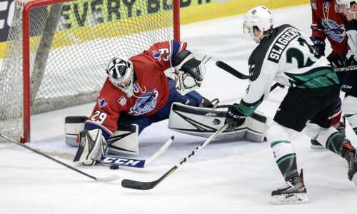 Cedar Rapids RoughRiders rally to beat Central Illinois, 5-3