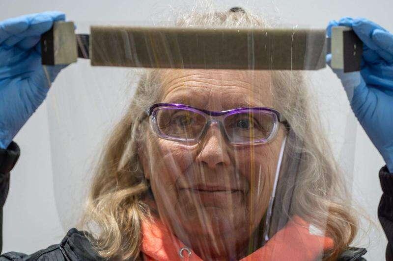University of Iowa experts urge community use of face shields