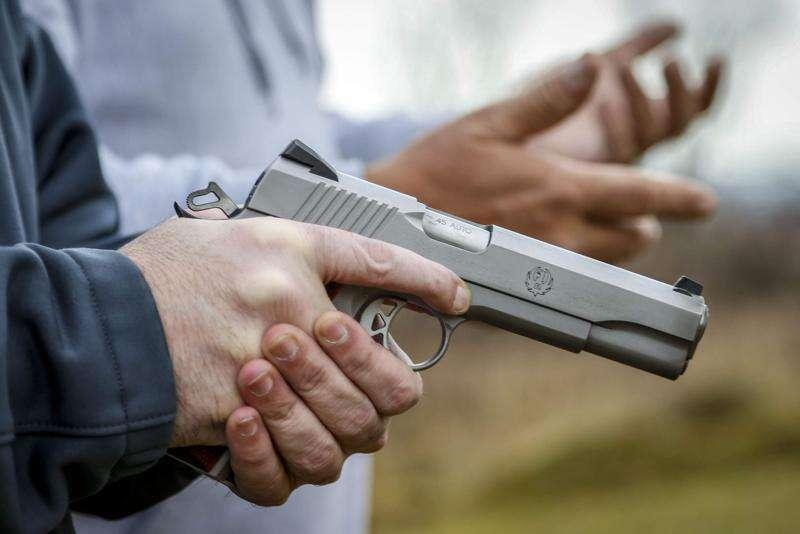 Iowa Democrats vie for 'Back the Blue' mantle during gun rights debate