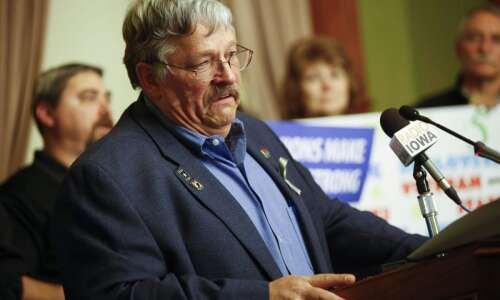 Iowa union seeks 'reasonable' raise for state workers