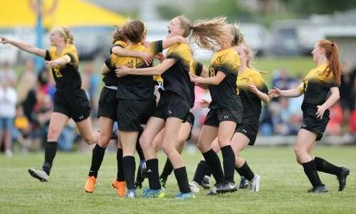 Iowa high school girls' soccer state tournament 2019: Updated brackets…