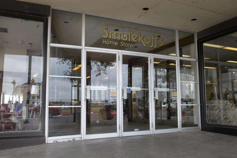 Smulekoff's to leave downtown Cedar Rapids