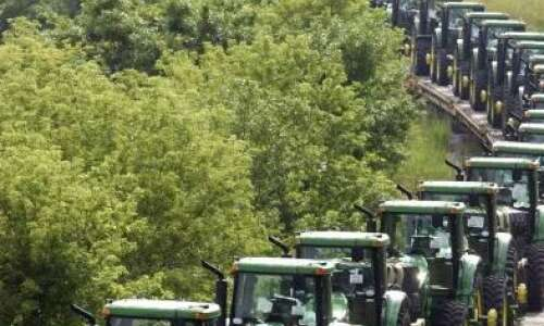 Deere offers buyouts to salaried employees
