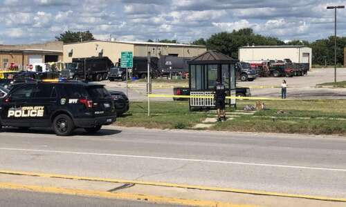 Iowa City police officer justified in July shooting, county attorney…