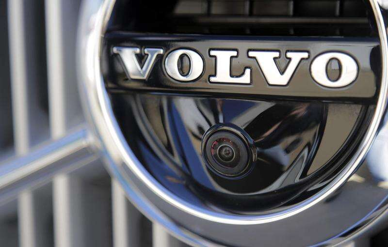 Volvo says it will abandon traditional engines by 2019