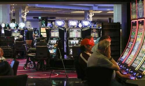 Iowa casinos heading for record revenues