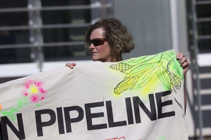 Tribes: Dakota Access oil pipeline review company has conflict of interest