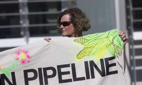 Tribes: Pipeline review company has conflict of interest