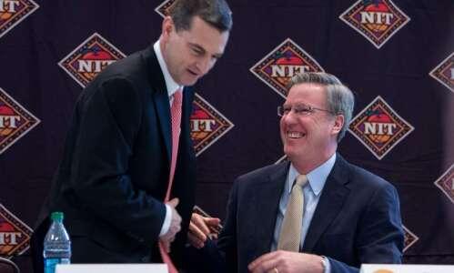 Iowa vs. Maryland men's basketball glance: Time, TV, live stream,…