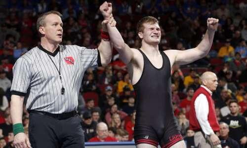 Linn-Mar's Jacob Wempen earns top Metro wrestling honor