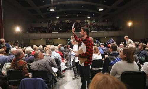 Citing 'inconsistencies,' Democratic Party delays Iowa caucus results