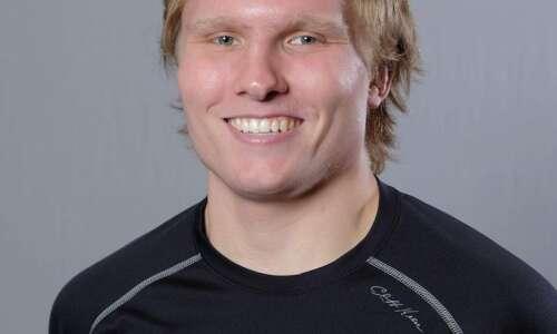 Cornell's Engle, Luther's Kreiter earn runner-up finish; Wartburg claims team…