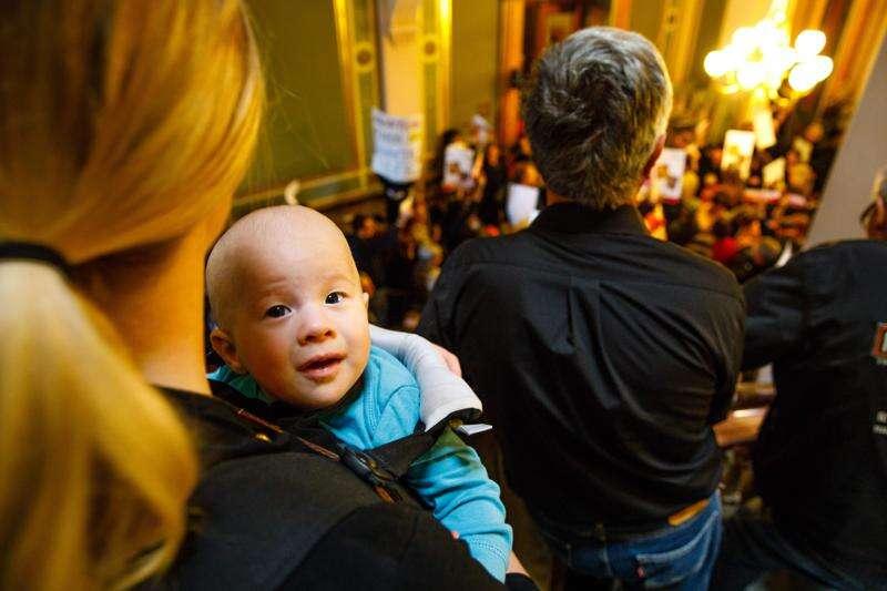 Iowa 'personhood' bill clears hurdle