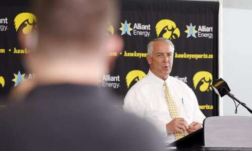Lawmakers, Iowa faculty say athletes should be allowed to profit