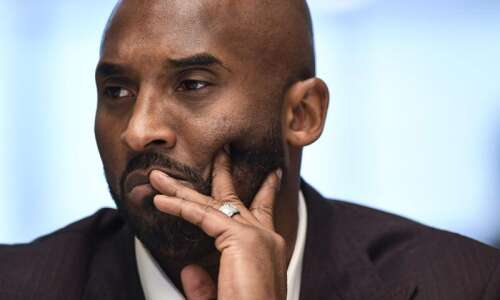 Kobe Bryant, 13-year-old daughter killed in helicopter crash
