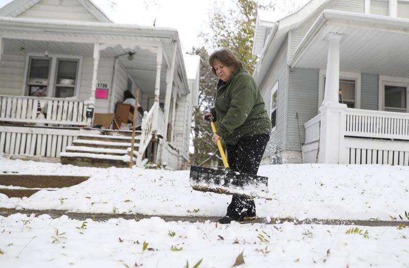 Leave snow on your sidewalk and face $500 fee in Cedar Rapids