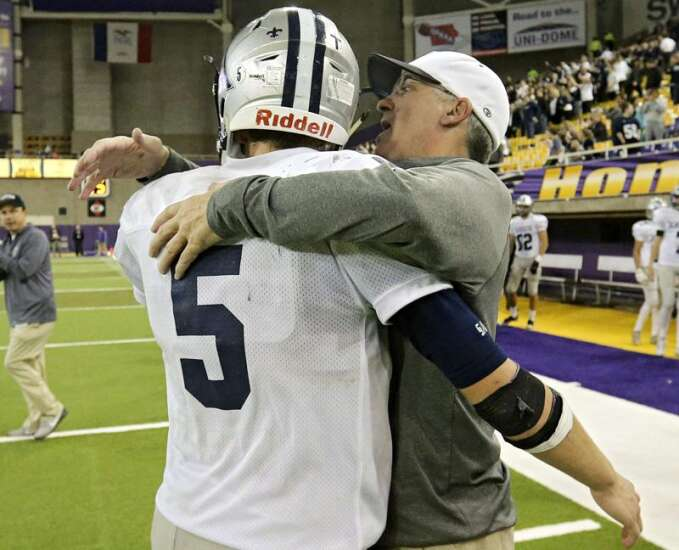 Cedar Rapids Xavier's Duane Schulte to be inducted into IFCA Coaches Hall of Fame