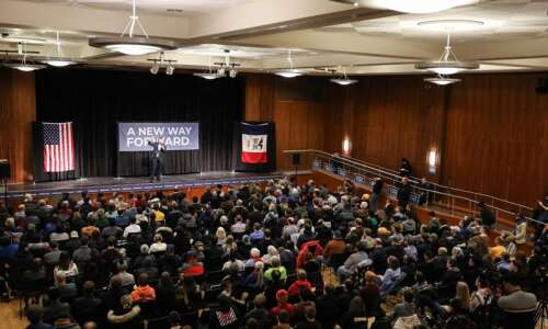 Andrew Yang tells University of Iowa students he would be…