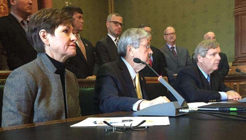Branstad plan: Shift some school tax revenue to water quality programs