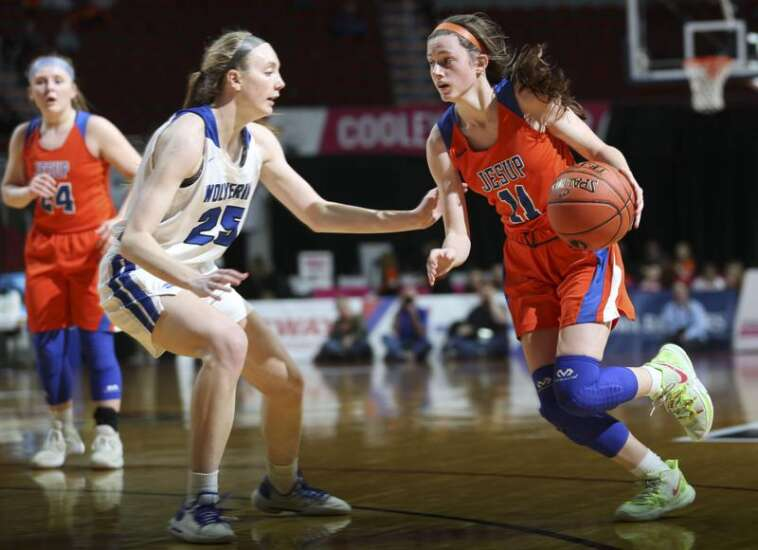 Jesup fights, but No. 1 Dike-New Hartford prevails in girls' state basketball quarterfinals